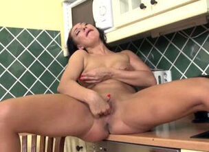Mature housewife fuck